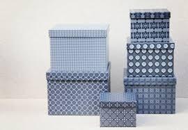 6 blå kasser